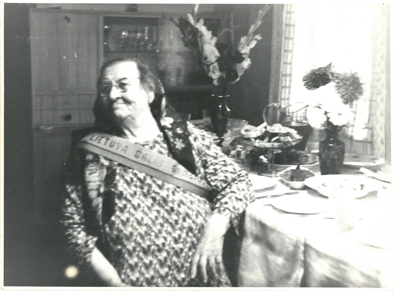 Profesoriaus, agronomo Petro Vasinausko motinos Agotos Vasinauskienės (Čeponytės) 90-mečio jubiliejus. 1972 m.