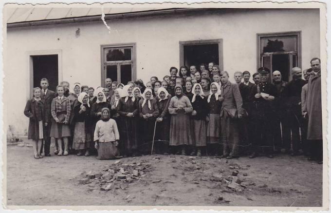 Pasvalio gimnazistai senelių namuose