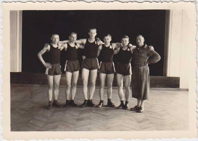 Pasvalio Petro Vileišio gimnazijos sportininkų komanda