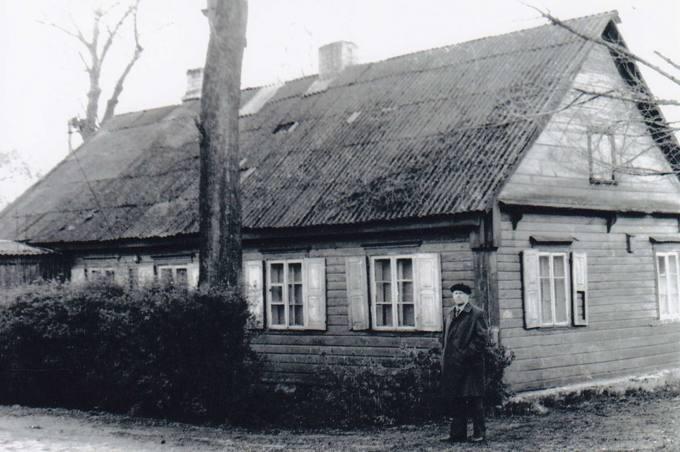 Kunigo Česlovo Kavaliausko senelio Valerijono Klemčicko namai Pumpėnuose
