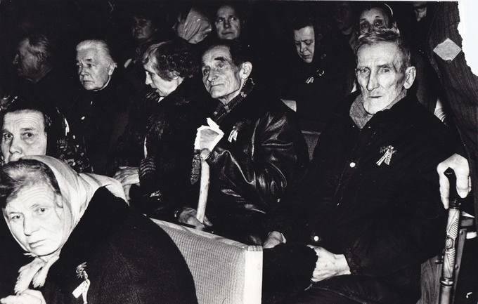 Pirmasis Pasvalio krašto tremtinių susitikimas Kultūros namuose 1988 metų lapkričio 25 dieną