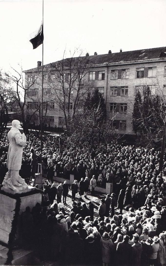 Pirmą kartą Pasvalyje iškelta Lietuvos Trispalvė Vėliava