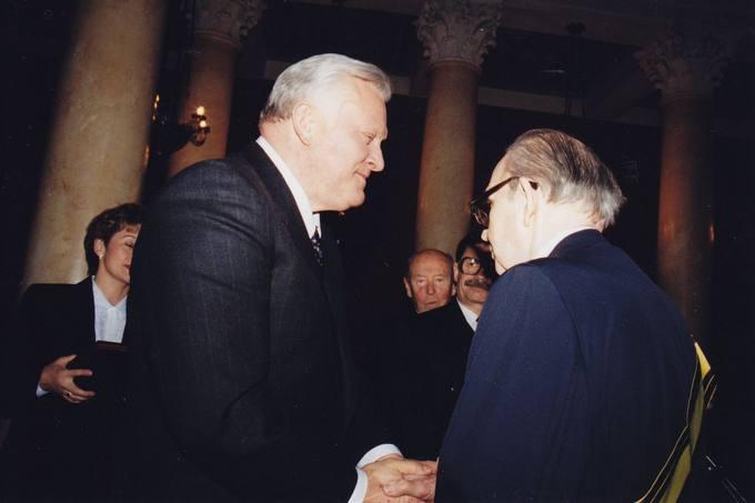 Lietuvos Respublikos Prezidento Algirdo Brazausko pasveikinimas