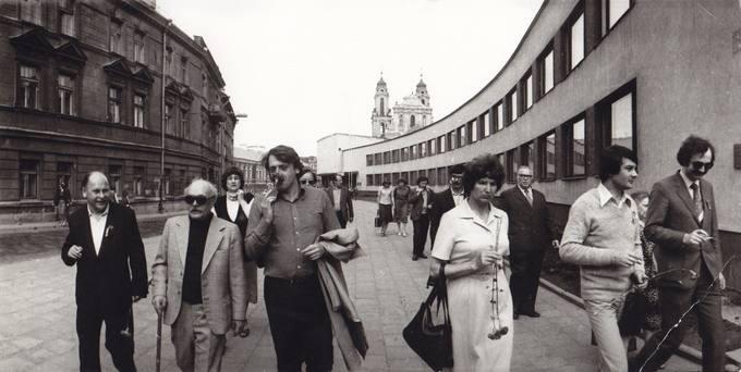 Poezijos pavasaris 1982-aisiais