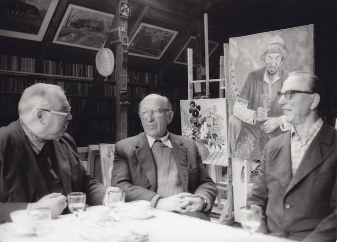 Poetas Eugenijus Matuzevičius dailininko Broniaus Uoginto viloje