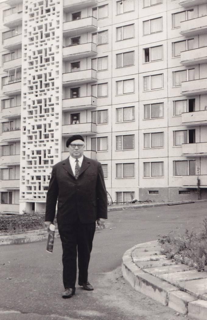 Poetas Eugenijus Matuzevičius Vilniuje, Lazdynuose