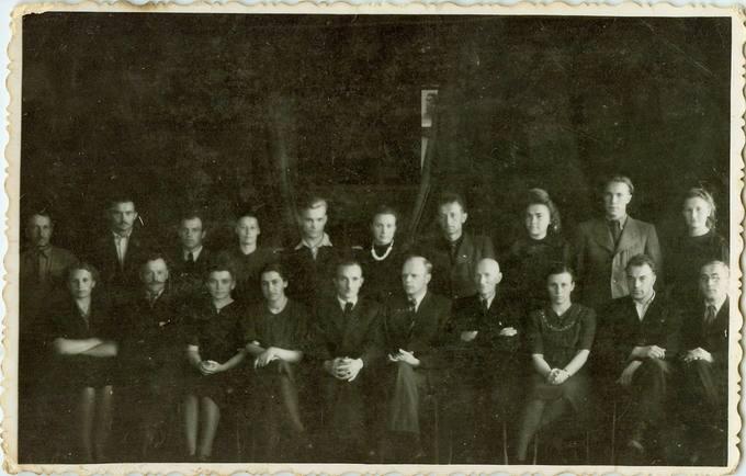 Pasvalio gimnazijos mokytojai pokaryje