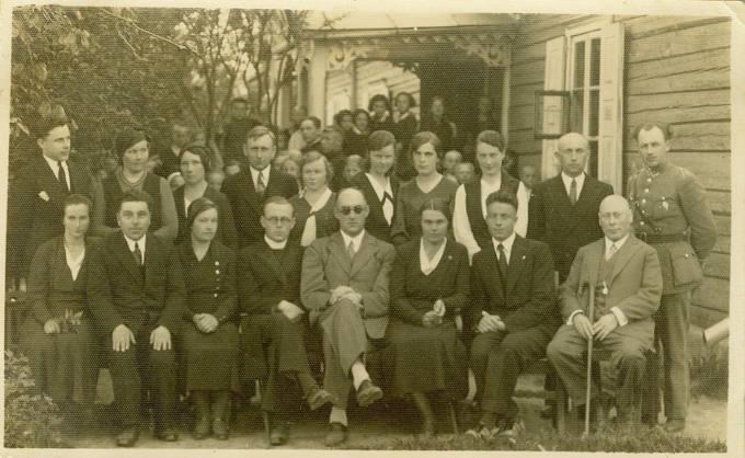 Svalios pagrindinės mokyklos ištakos – Maironio pradžios mokykla