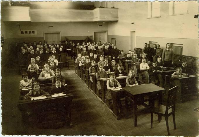 Mokykla karo metais