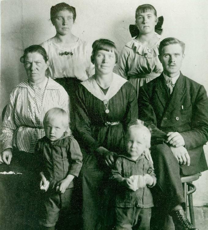 Senkevičių šeima Petrašiūnuose