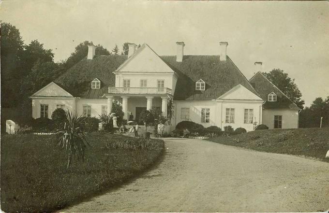 Joniškėlio dvaro rūmai XX amžiaus pradžioje