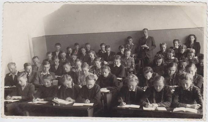 Penktoji klasė vokiečių kalbos pamokoje