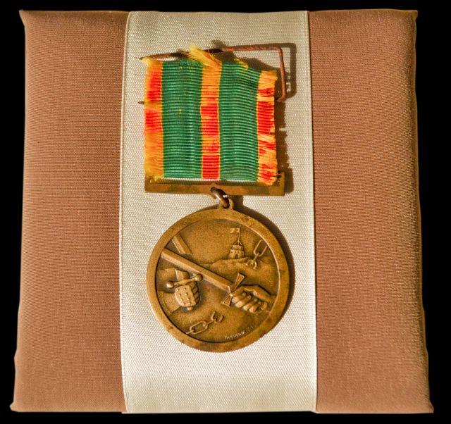"""Lietuvos kariuomenės kūrėjų savanorių medalis """"1918–1920 SAVANORIUI"""" kariui savanoriui Kostui Žemaičiui"""