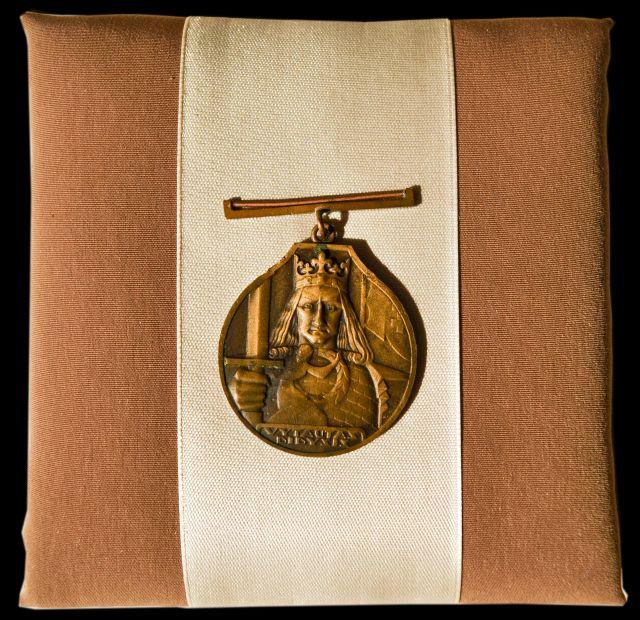 LR Vytauto Didžiojo ordino medalis, skirtas eiguliui Jonui Šešeikai, 1938 m.