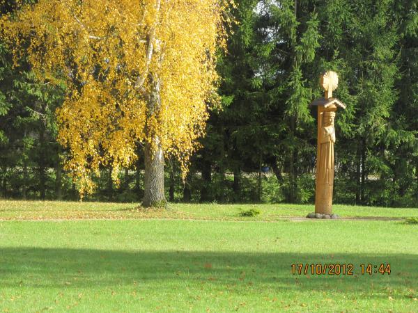 Skulptūros išnykusiems kaimams Deglėnuose