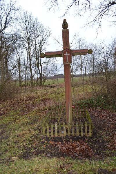 Kryžius Velžių kaimo žmonėms