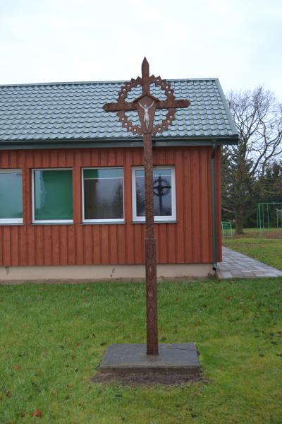 Kryžius Talačkonių pradinės mokyklos 80 metų jubiliejui