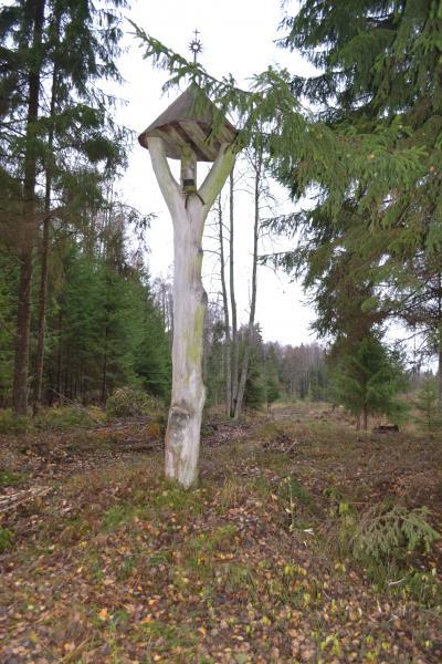 Koplytstulpis Šv. Jonui Žaliojoje girioje
