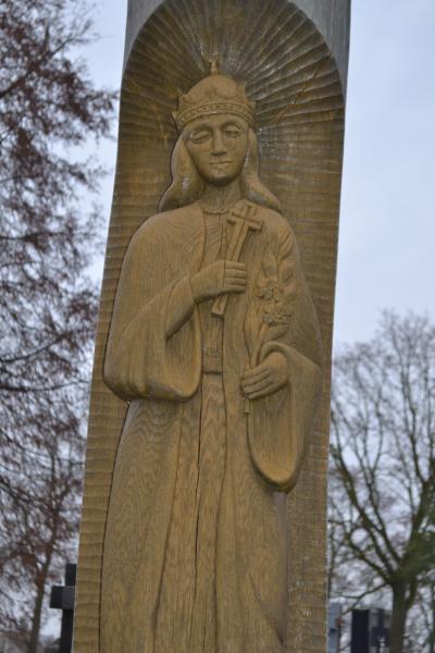 Skulptūra Šv. Kazimierui Pušaloto bažnyčios šventoriuje