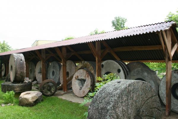 Girnų muziejus Pasvalyje