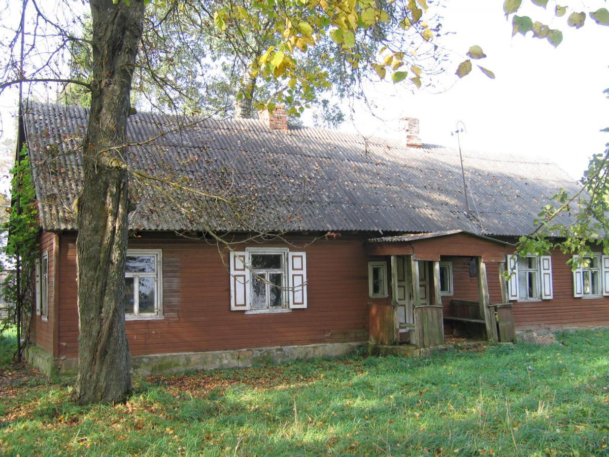 Aktoriaus Petro Venslovo tėviškė tarp Namišių ir Manikūnų kaimų, Pasvalio rajone