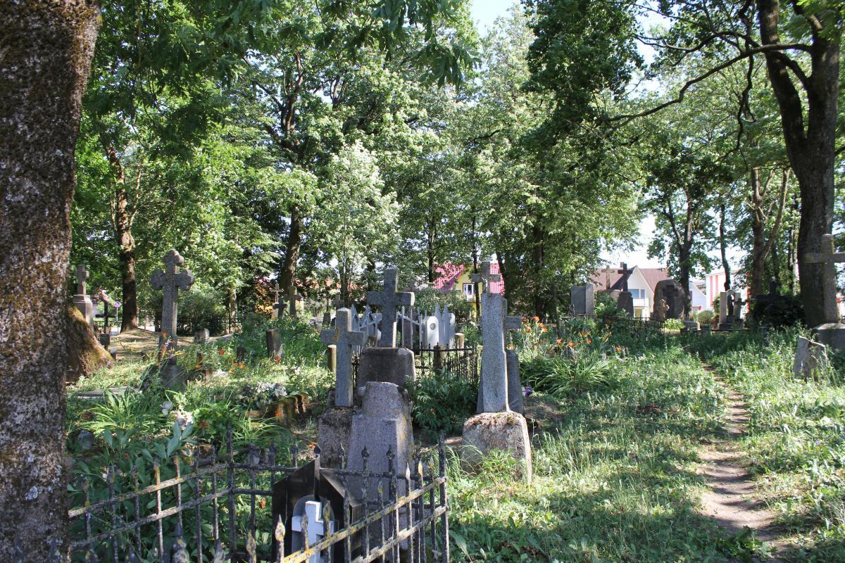 Paminklas tremties aukoms Pasvalio miesto senosiose kapinėse