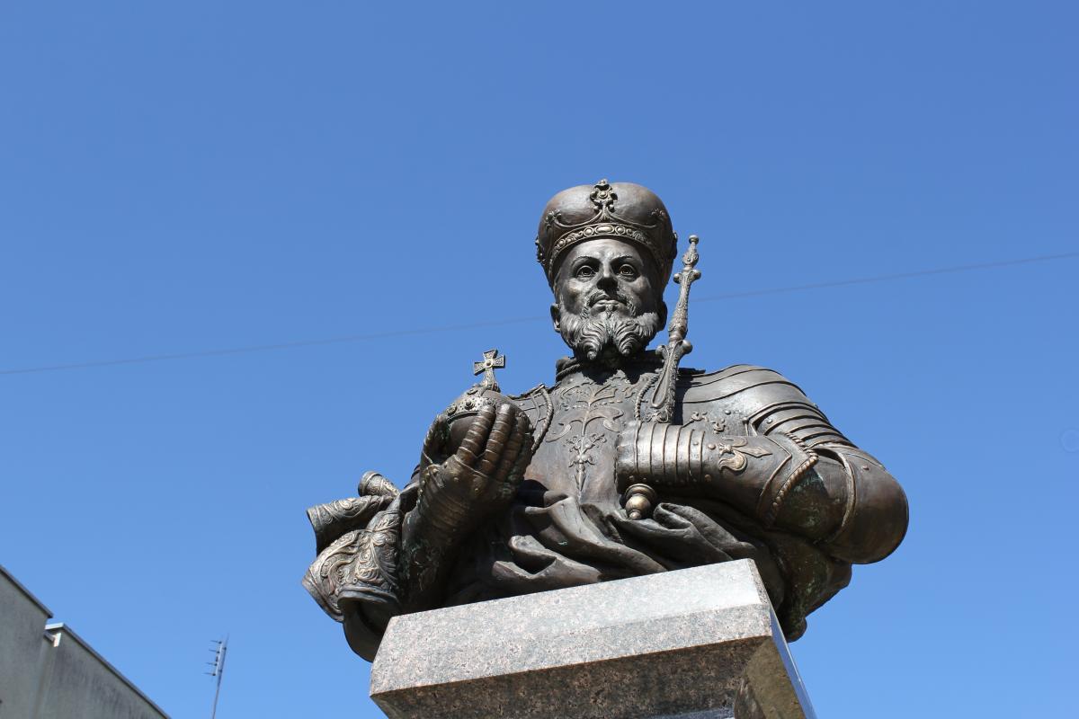 Paminklas Lenkijos karaliui ir LDK didžiajam kunigaikščiui Žygimantui Augustui Pasvalyje