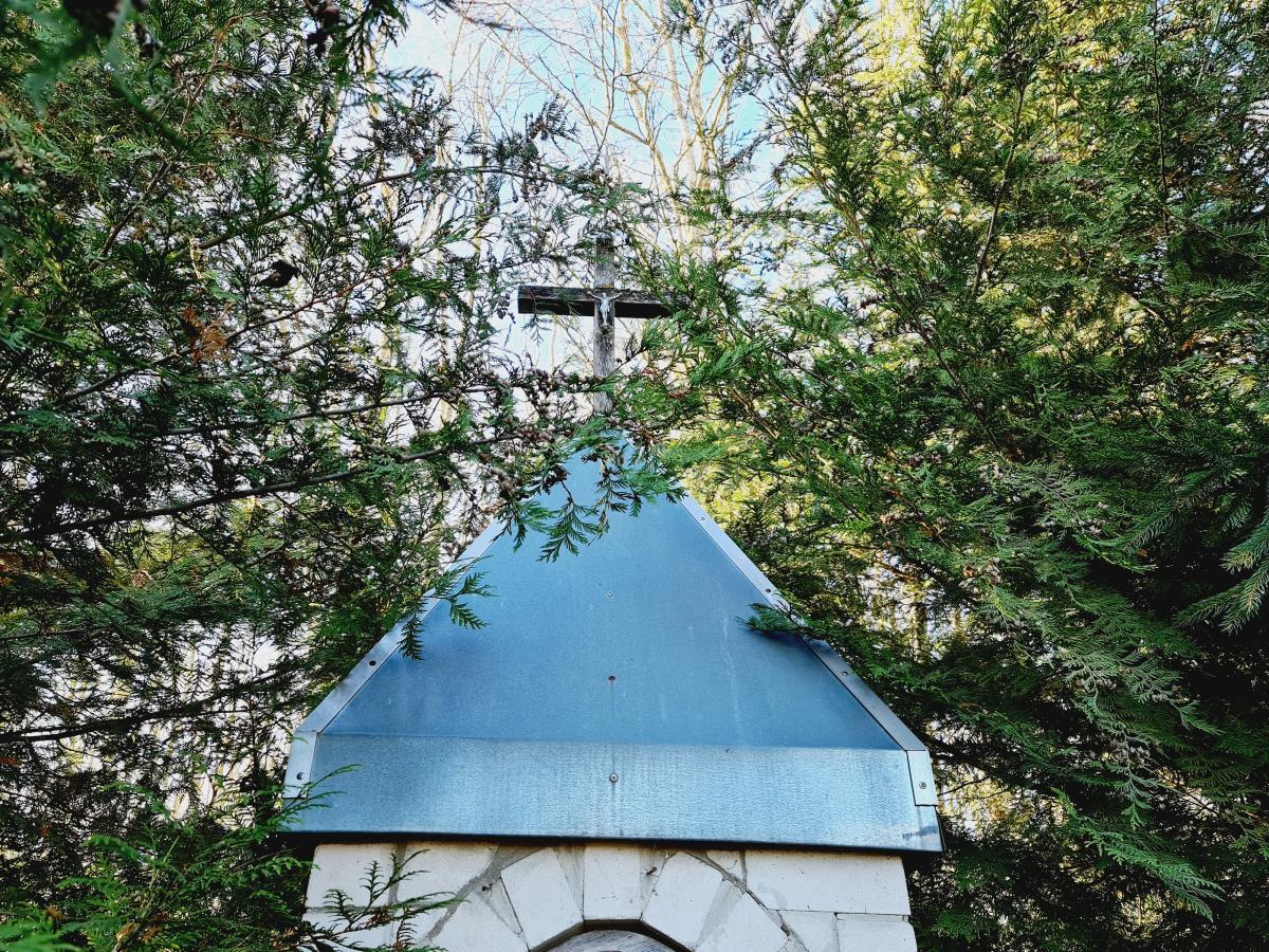 Koplytėlė su Švč. Mergelės Marijos skulptūra