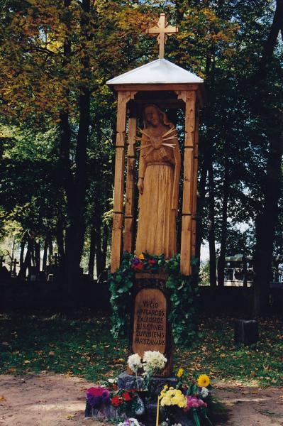 Stogastulpis žuvusiems partizanams Kriklinių kaime